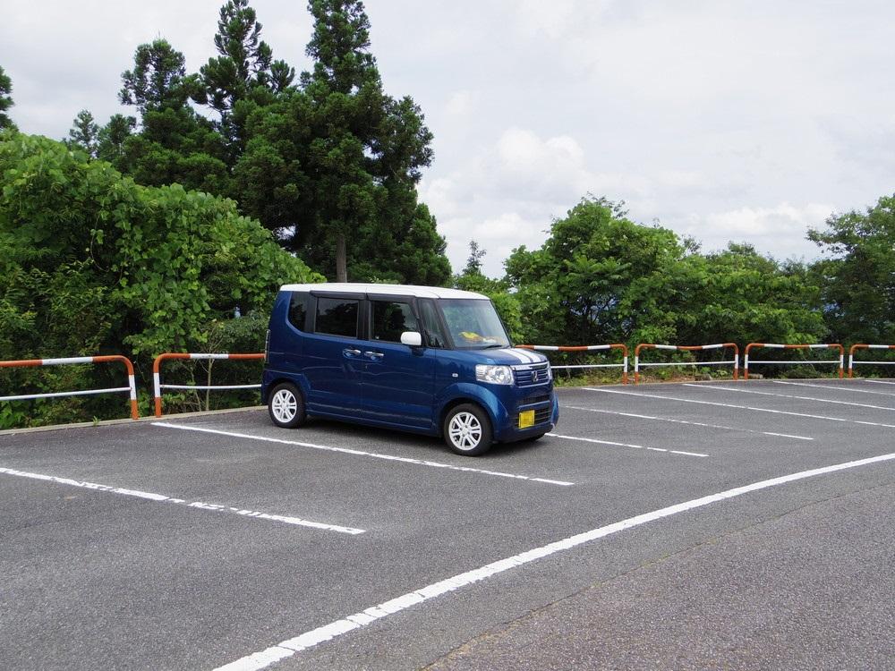 散居村展望台の駐車場