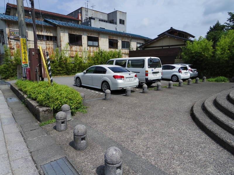 あやとり橋付近の駐車場